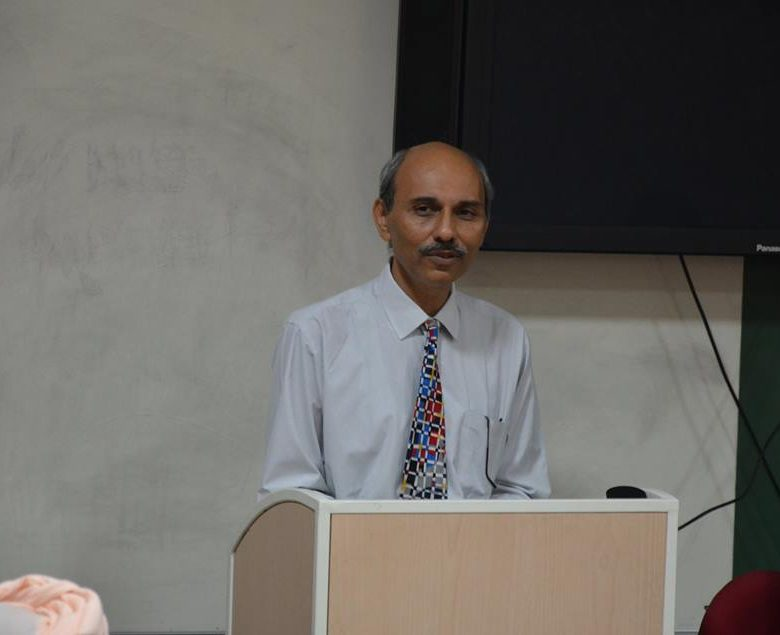Vineet Raj Kapoor Chief Guest at Induction Program for the Executive MBA Students at UBS